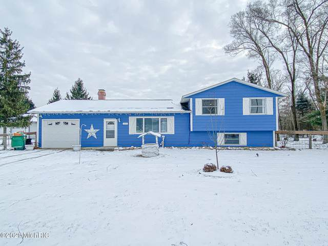 57607 S M 51 S, Dowagiac, MI 49047 (MLS #21001860) :: Deb Stevenson Group - Greenridge Realty