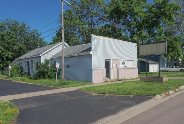 109 N Gremps Street, Paw Paw, MI 49079 (MLS #21001971) :: Deb Stevenson Group - Greenridge Realty