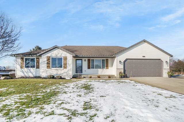 1829 Cooke Farms Drive, Dorr, MI 49323 (MLS #21002124) :: Jennifer Lane-Alwan