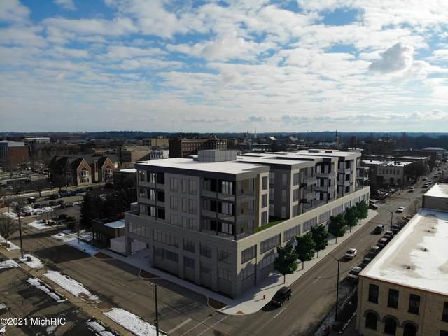 159 S River Avenue #505, Holland, MI 49423 (MLS #21002145) :: Ginger Baxter Group