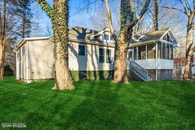 16027 Ruffino Road, Union Pier, MI 49129 (MLS #21002199) :: Jennifer Lane-Alwan