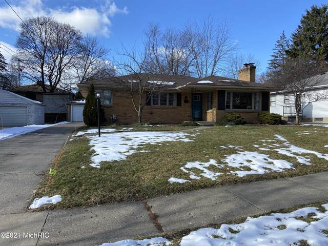 1845 Newton Avenue SE, Grand Rapids, MI 49506 (MLS #21002224) :: Ron Ekema Team