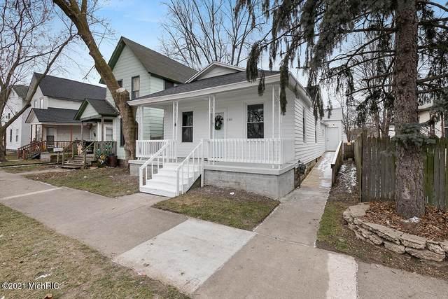 1315 Turner Avenue NW, Grand Rapids, MI 49504 (MLS #21002255) :: Ron Ekema Team