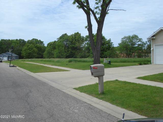 451 Willow Creek Drive #14, Benton Harbor, MI 49022 (MLS #21002334) :: JH Realty Partners