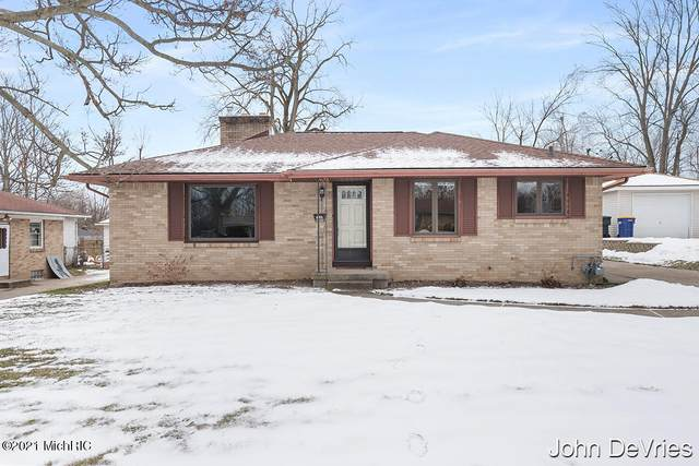 1740 8th Street NW, Grand Rapids, MI 49504 (MLS #21002439) :: JH Realty Partners