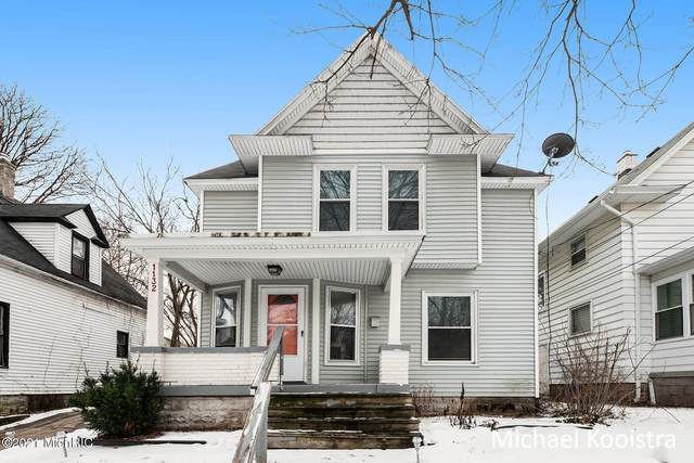 1132 Dunham Street SE, Grand Rapids, MI 49506 (MLS #21002484) :: JH Realty Partners