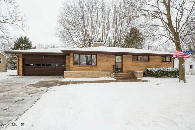 2766 W Garden Lane, St. Joseph, MI 49085 (MLS #21002626) :: Deb Stevenson Group - Greenridge Realty