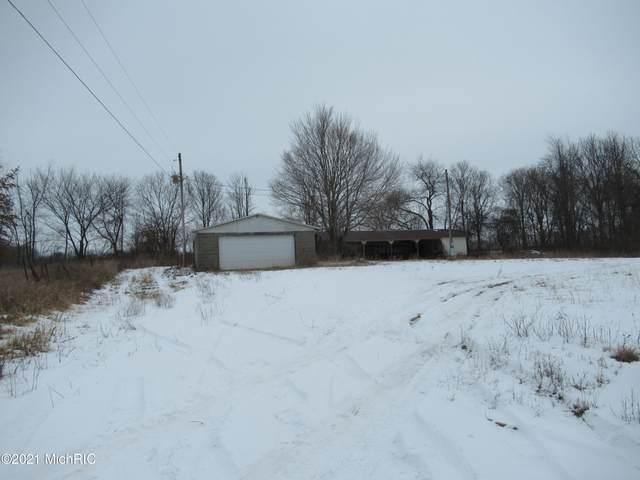 4 Smith Lane, Cassopolis, MI 49031 (MLS #21003447) :: CENTURY 21 C. Howard
