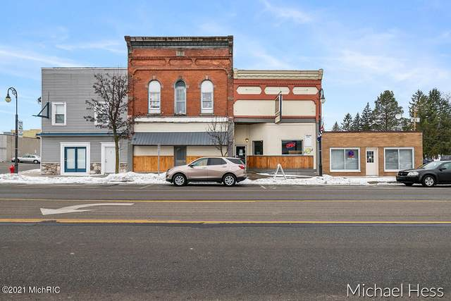 526 E Main Street, Edmore, MI 48829 (MLS #21004271) :: Your Kzoo Agents