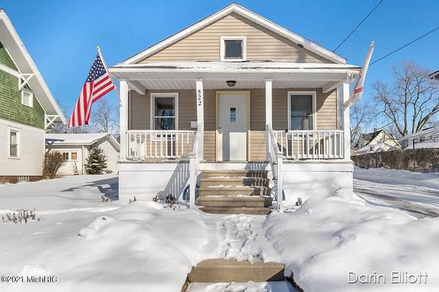 522 W Washington Street, Ionia, MI 48846 (MLS #21004466) :: Deb Stevenson Group - Greenridge Realty