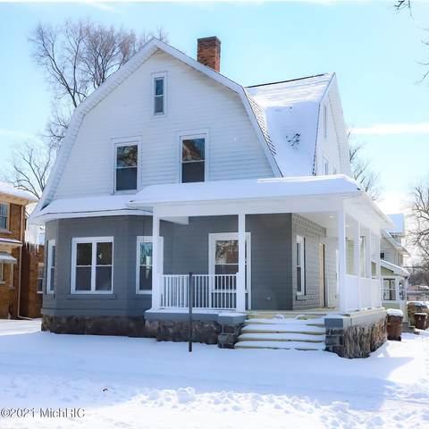 304 E Michigan Avenue, Albion, MI 49224 (MLS #21004472) :: Deb Stevenson Group - Greenridge Realty
