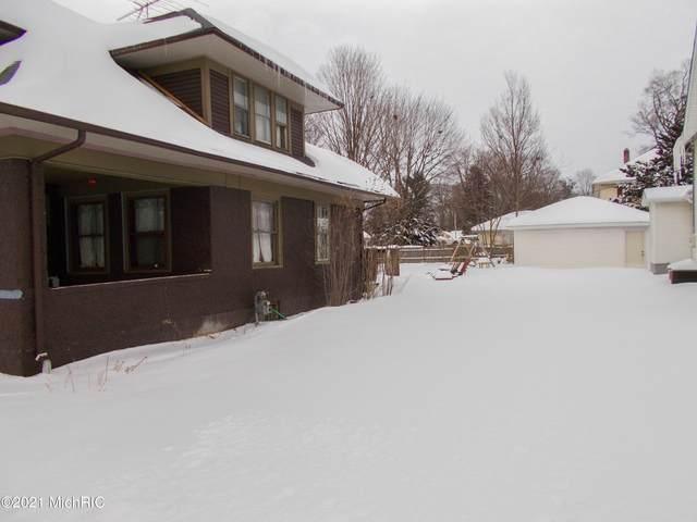 805 N Main Street, Three Rivers, MI 49093 (MLS #21004976) :: Deb Stevenson Group - Greenridge Realty