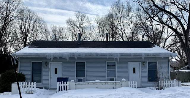 105 W Chicago Street, Buchanan, MI 49107 (MLS #21005502) :: Deb Stevenson Group - Greenridge Realty