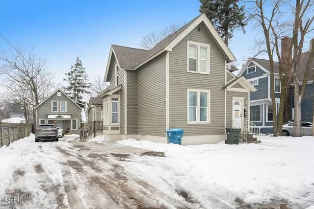 1231 Terrace Street, Muskegon, MI 49442 (MLS #21005630) :: JH Realty Partners