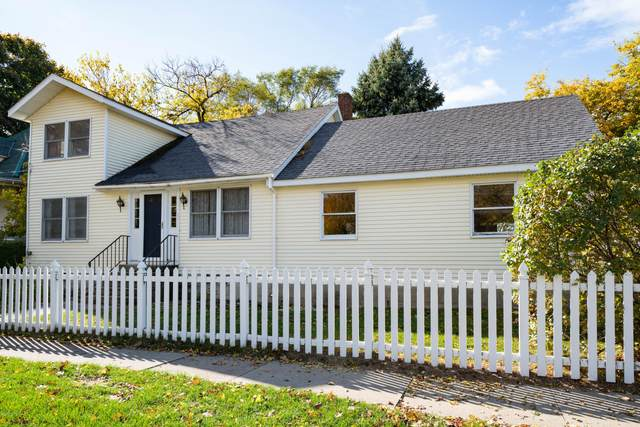 808 Monroe Boulevard, South Haven, MI 49090 (MLS #21005720) :: BlueWest Properties