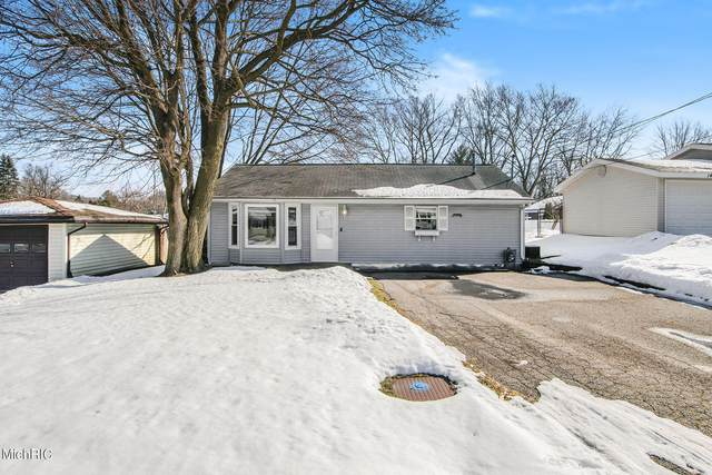 1500 Benning Avenue NW, Grand Rapids, MI 49504 (MLS #21005748) :: Deb Stevenson Group - Greenridge Realty