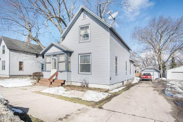105 E 17th Street, Holland, MI 49423 (MLS #21005753) :: Deb Stevenson Group - Greenridge Realty