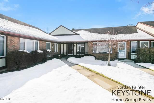 2364 Radcliff Village Drive SE, Grand Rapids, MI 49546 (MLS #21005760) :: Deb Stevenson Group - Greenridge Realty