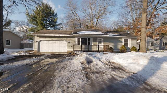 2822 Marquette Avenue, Muskegon, MI 49442 (MLS #21005791) :: Your Kzoo Agents