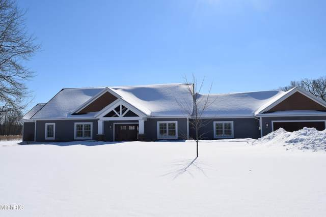 3138 S Vanwagoner Avenue Unit #1, Fremont, MI 49412 (MLS #21005795) :: CENTURY 21 C. Howard