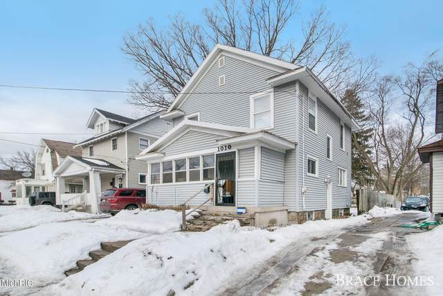 1010 Eastern Avenue SE, Grand Rapids, MI 49507 (MLS #21005798) :: CENTURY 21 C. Howard