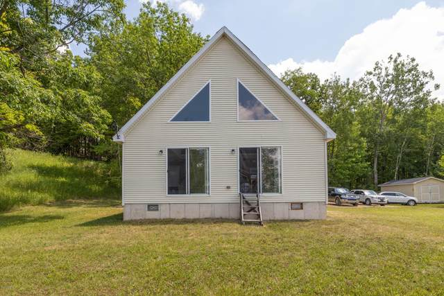 17281 Summit Street, Barryton, MI 49305 (MLS #21005801) :: Deb Stevenson Group - Greenridge Realty
