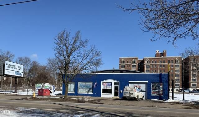 316 W Van Buren Street, Battle Creek, MI 49037 (MLS #21005873) :: Deb Stevenson Group - Greenridge Realty