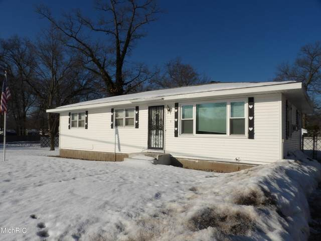 185 S Brooks Road, Muskegon, MI 49442 (MLS #21006030) :: CENTURY 21 C. Howard