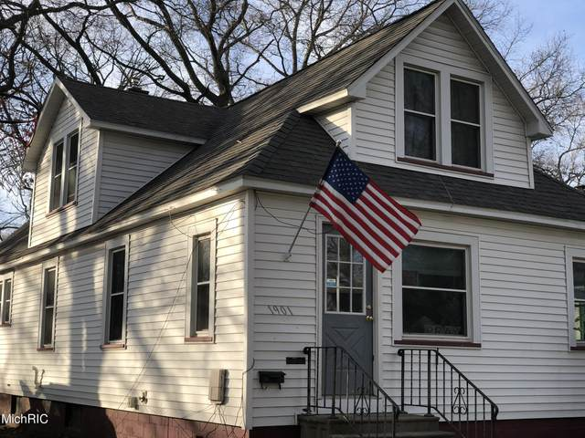 1901 5th Street, Muskegon, MI 49441 (MLS #21006092) :: Deb Stevenson Group - Greenridge Realty