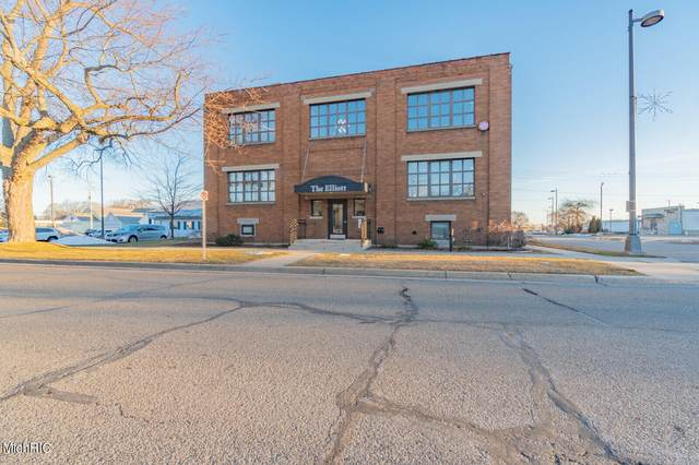 633 Elliott Avenue #12, Grand Haven, MI 49417 (MLS #21006418) :: BlueWest Properties