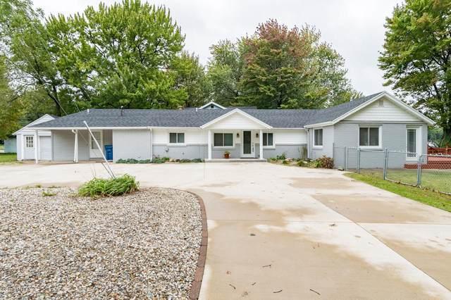 4207 S Long Lake Drive, Portage, MI 49002 (MLS #21006464) :: CENTURY 21 C. Howard