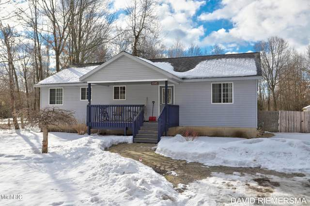 2547 Kregel Avenue, Muskegon, MI 49442 (MLS #21006475) :: Deb Stevenson Group - Greenridge Realty