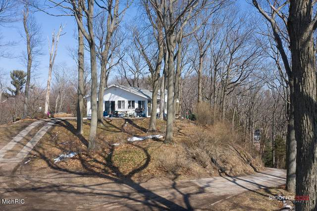 18125 Ridge Drive, Grand Haven, MI 49417 (MLS #21006498) :: BlueWest Properties