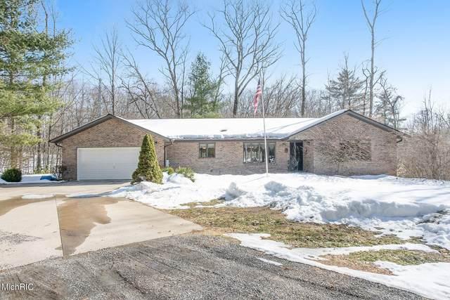 4894 Brookside Lane, Fremont, MI 49412 (MLS #21006514) :: BlueWest Properties