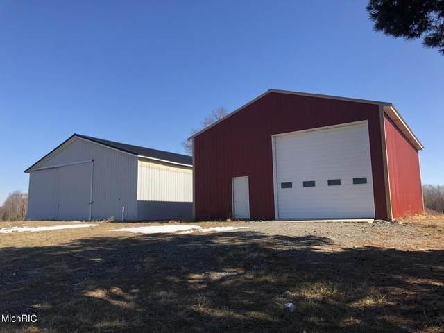 70552 26th Avenue, Covert, MI 49043 (MLS #21006528) :: Deb Stevenson Group - Greenridge Realty