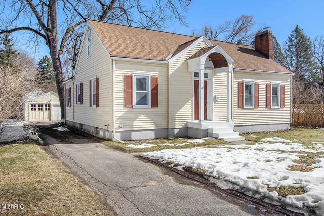 3520 Briggs Boulevard NE, Grand Rapids, MI 49525 (MLS #21006532) :: Your Kzoo Agents