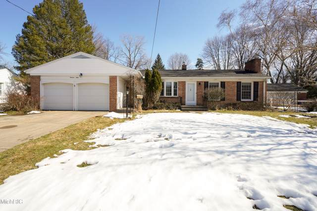 1930 Millbrook Street SE, Grand Rapids, MI 49508 (MLS #21006563) :: Your Kzoo Agents