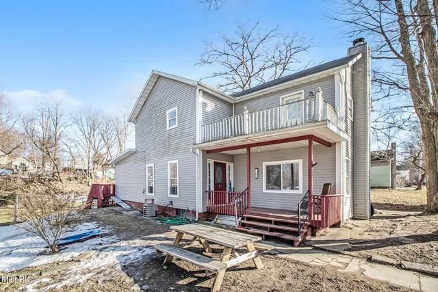 405 Days Avenue, Buchanan, MI 49107 (MLS #21006697) :: Deb Stevenson Group - Greenridge Realty