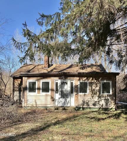 3642 Birchwood Trail, Michiana Shores, IN 46360 (MLS #21006752) :: CENTURY 21 C. Howard