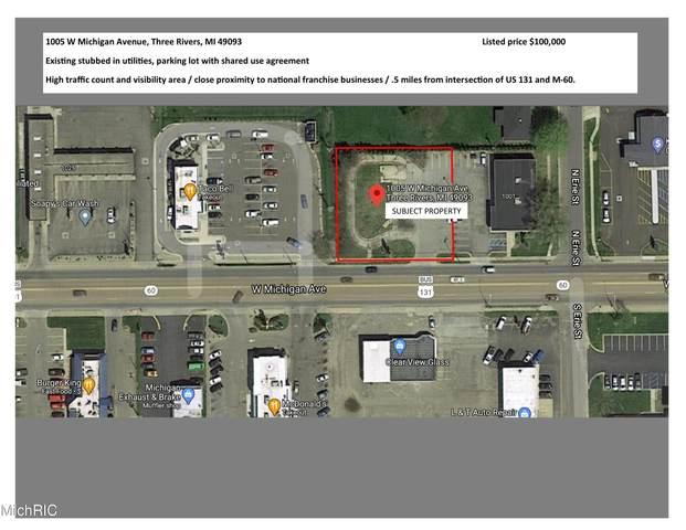 1005 W Michigan Avenue, Three Rivers, MI 49093 (MLS #21007194) :: CENTURY 21 C. Howard