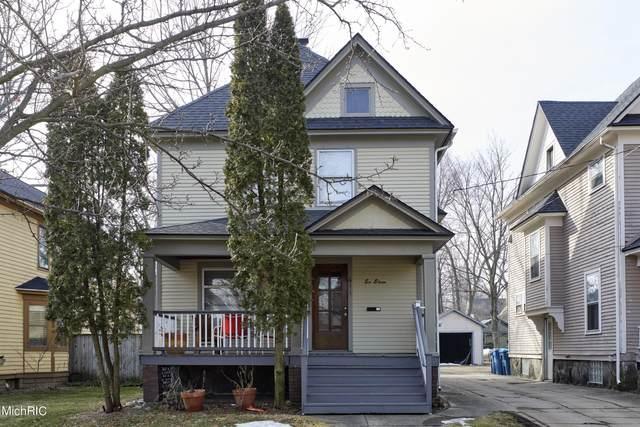 611 Wheaton Avenue, Kalamazoo, MI 49008 (MLS #21007415) :: Deb Stevenson Group - Greenridge Realty