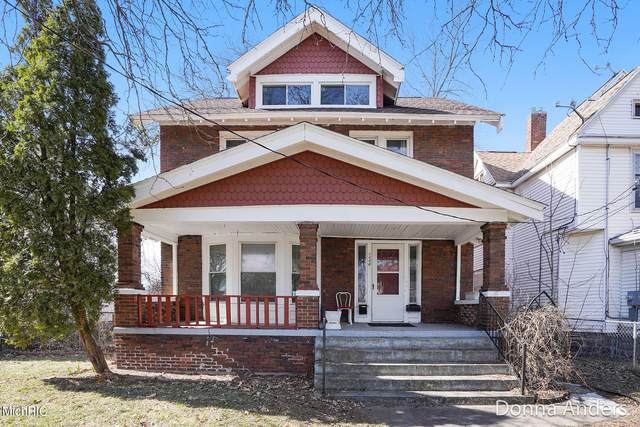 1335 Jefferson Drive SE, Grand Rapids, MI 49507 (MLS #21007810) :: Ginger Baxter Group