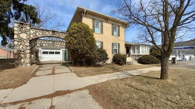 202 W Main Street, Stanton, MI 48888 (MLS #21007817) :: BlueWest Properties