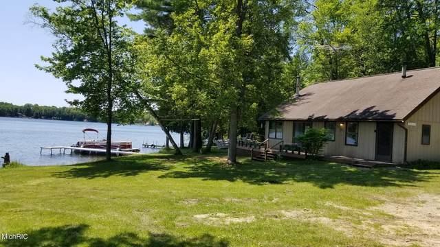 7685 Wenonah Trail, Lake City, MI 49651 (MLS #21007948) :: Ginger Baxter Group