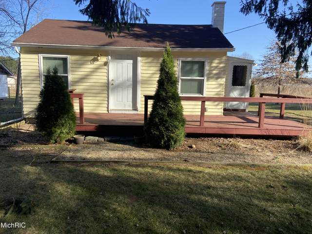 3505 Wee Chik Road, Sawyer, MI 49125 (MLS #21008632) :: CENTURY 21 C. Howard