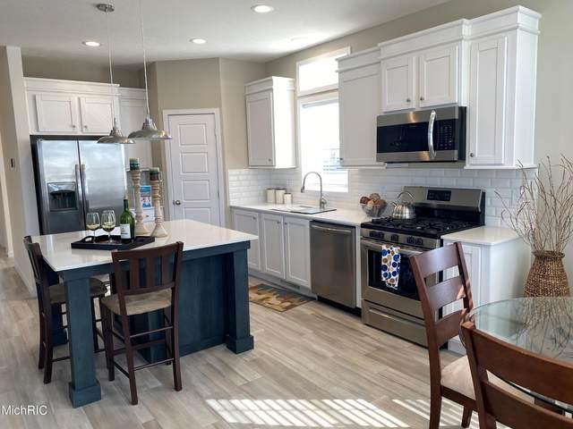 6962 Riverwood Drive, Belding, MI 48809 (MLS #21008707) :: Keller Williams Realty | Kalamazoo Market Center