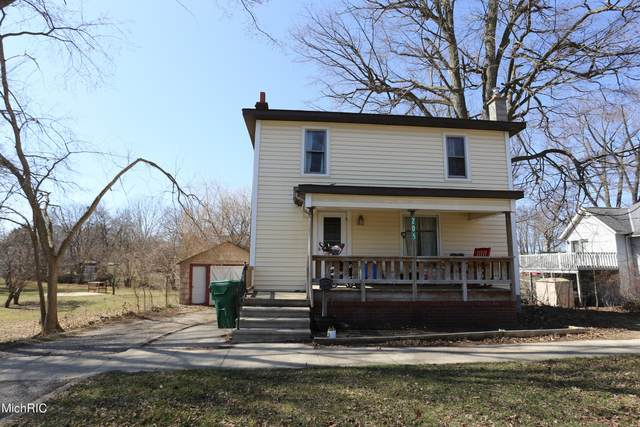 205 S Lincoln Avenue, Three Rivers, MI 49093 (MLS #21009342) :: Your Kzoo Agents