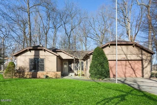 2977 White Oaks Ridge, Buchanan, MI 49107 (MLS #21009655) :: Deb Stevenson Group - Greenridge Realty