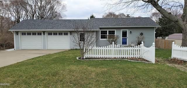 2209 Paw Paw Avenue, Benton Harbor, MI 49022 (MLS #21009893) :: Deb Stevenson Group - Greenridge Realty
