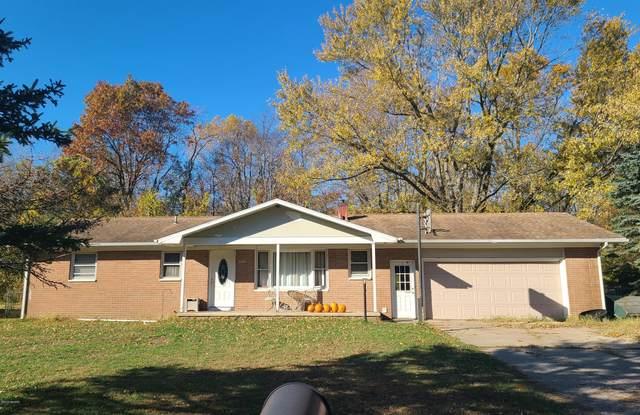 1096 Louis Drive, Benton Harbor, MI 49022 (MLS #21010502) :: Deb Stevenson Group - Greenridge Realty